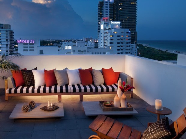 Tower-Penthouse-Balcony-with-signs_lo-res-620x465.jpg