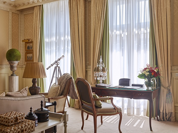 Grand Hotel Wien - Living Room_Desk - resize.jpg