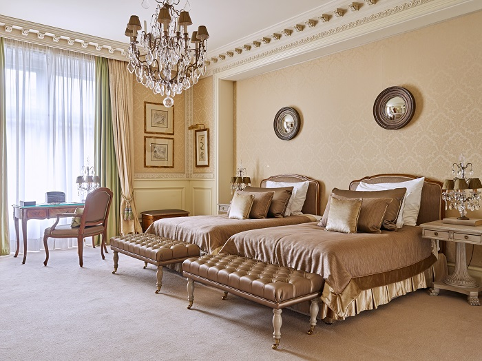 Grand Hotel Wien - Bedroom- resize.jpg