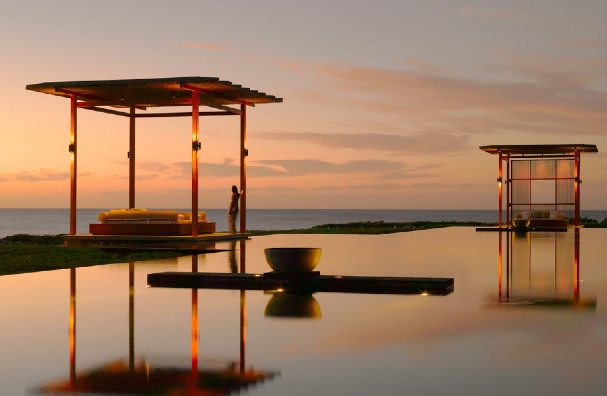 Yara Swimming Pool 2_1400x600 (1).jpg