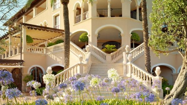 The-St-Regis-Mardavall-Mallorca-Resort-2.jpg