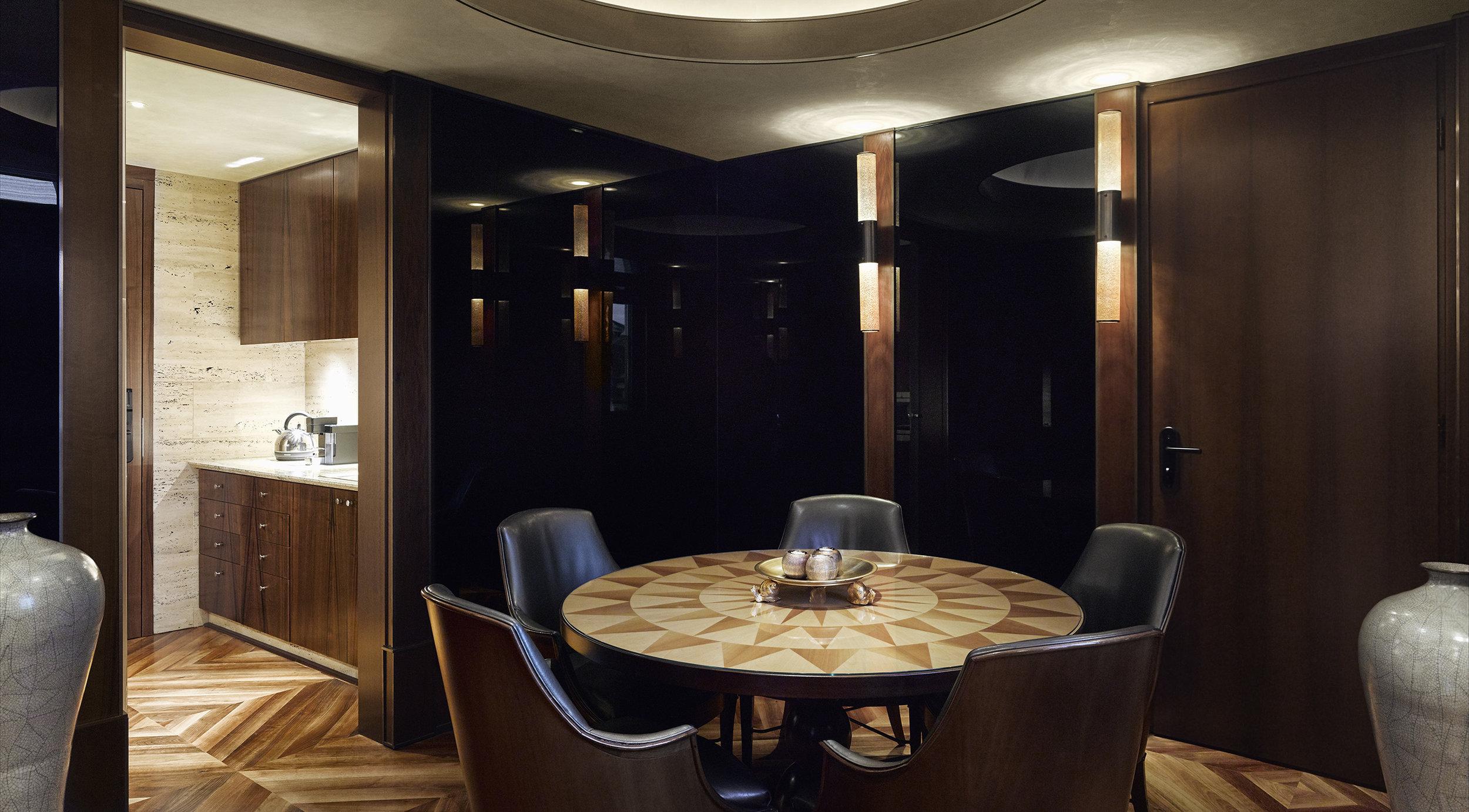 Park-Hyatt-Milano-DuomoSuite-DiningRoom.jpg