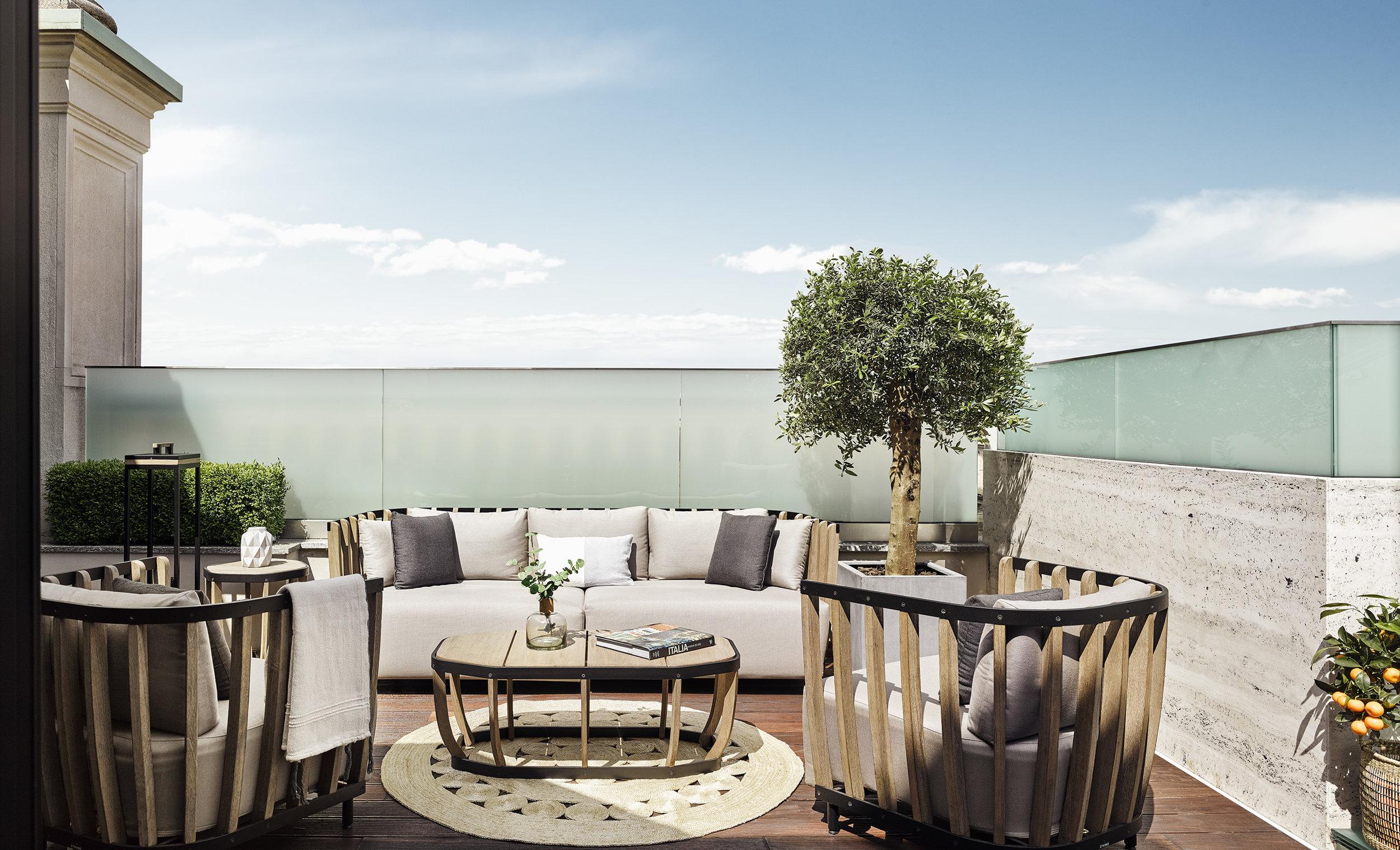 Park-Hyatt-Milano-DuomoSuite-Terrace.jpg