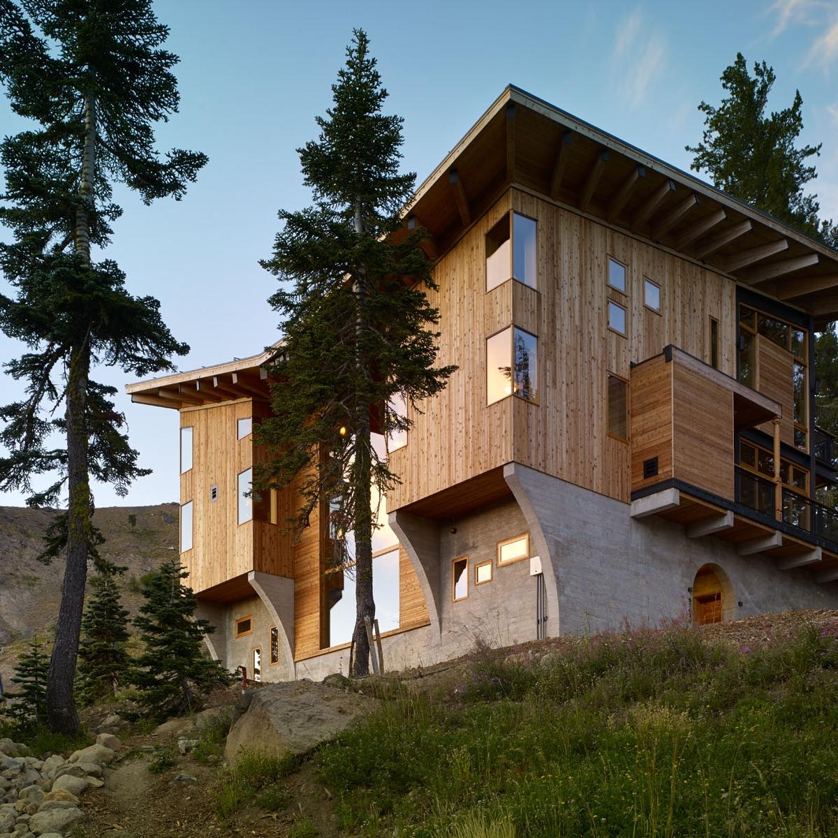 Crow's Nest Residence