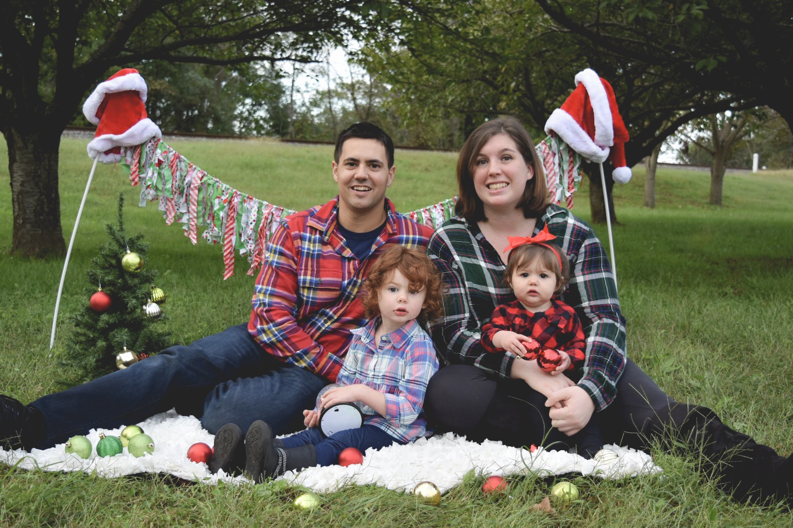The Lockwood Family - I was delighted to see this loving family back for Christmas mini's!