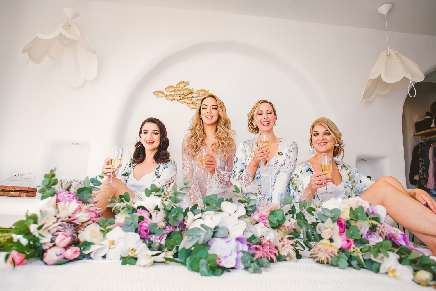 Lorraine and her bridesmaids before their Naxos wedding