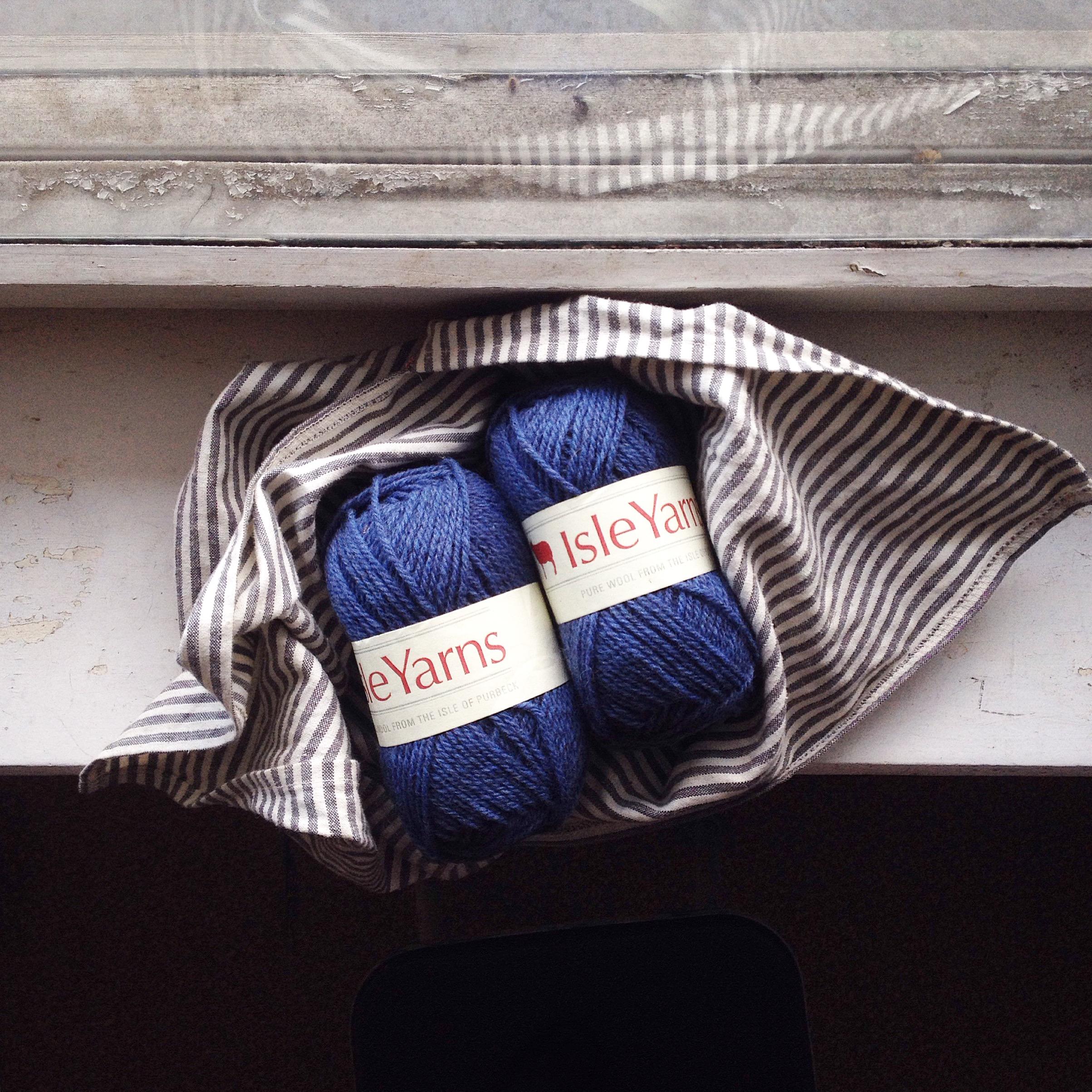 Mandarine's: Isle yarn review & giveaway