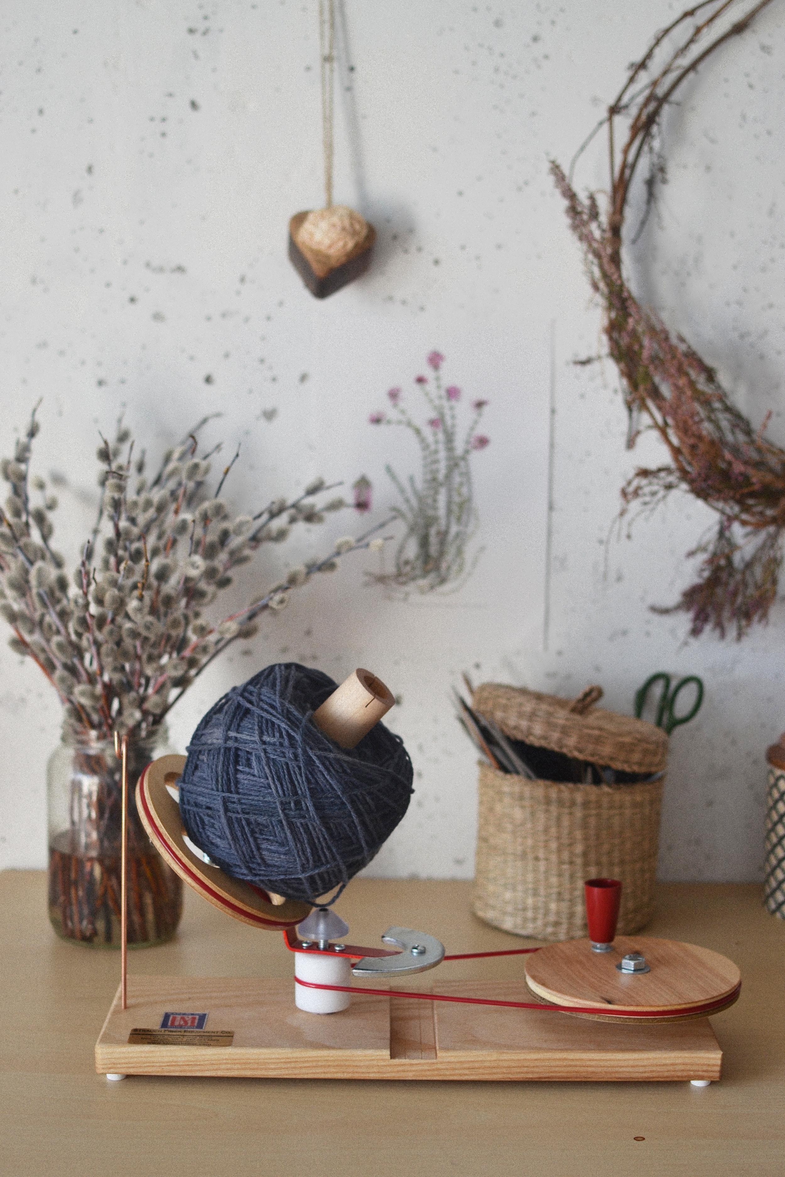 The woolery, jumbo ball winder Mandarine's