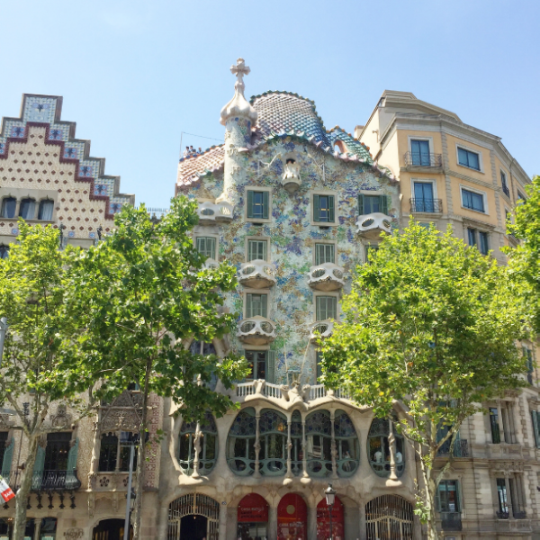 vintage adventure - barcelona, the vintage round top