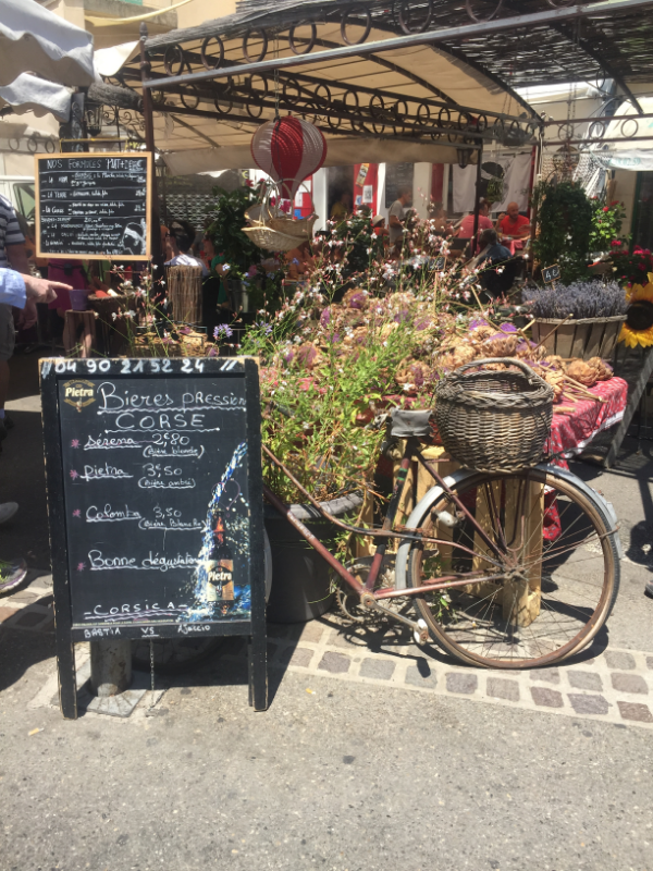 THE VINTAGE ADVENTURE - PROVENCE, THE VINTAGE ROUND TOP