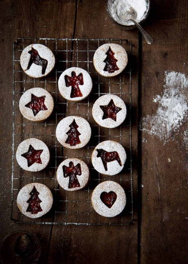 RASPBERRY LINZER COOKIES FROM CAVOLETTO, THE VINTAGE ROUND TOP