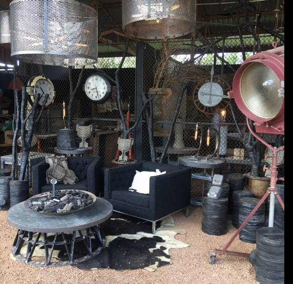 THE VINTAGE ROUND TOP - TEXAS ANTIQUES WEEK