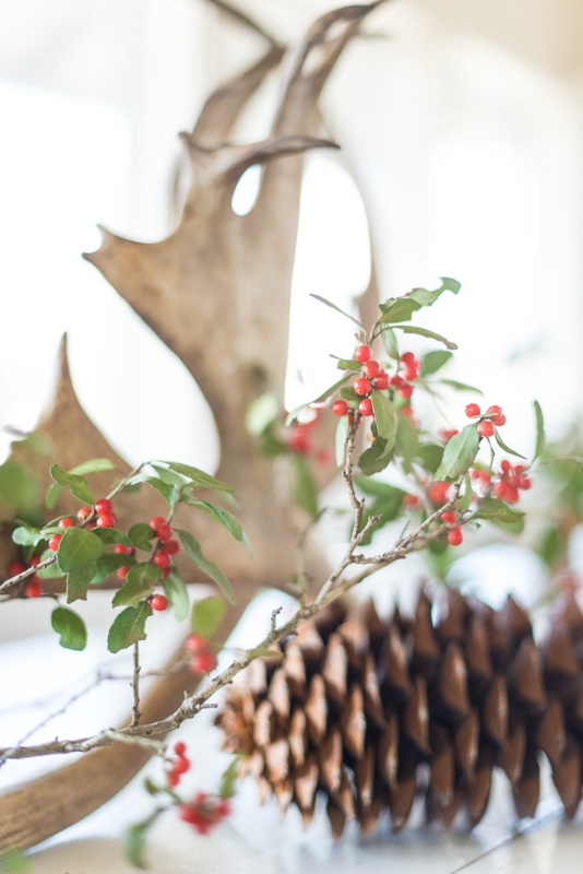 HOLIDAY DECOR, THE VINTAGE ROUND TOP