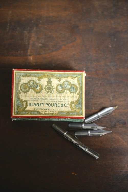 FRENCH VINTAGE PEN NIBS, THE VINTAGE ROUND TOP