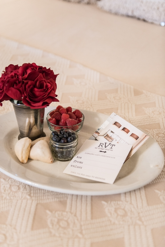 VALENTINE'S DAY GIFT PACKAGE, THE VINTAGE ROUND TOP