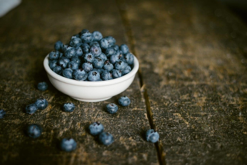 BLUEBERRIES, THE VINTAGE ROUND TOP
