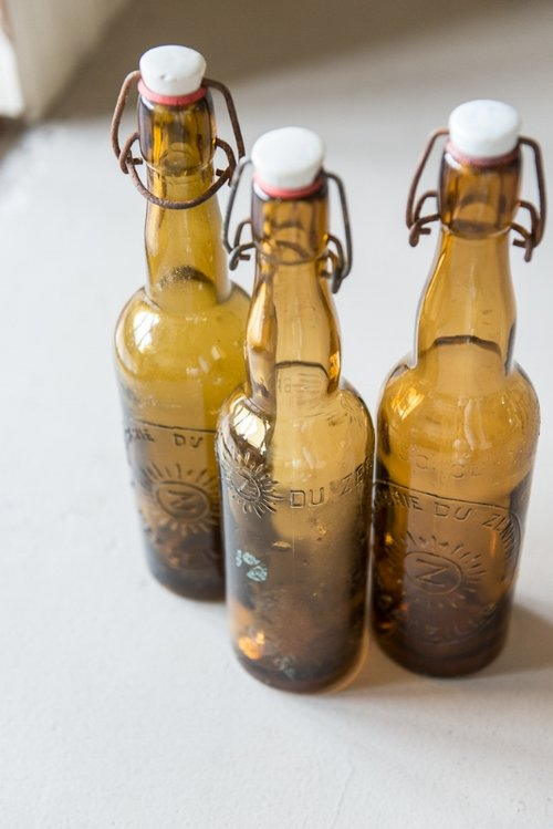 VINTAGE FRENCH AMBER BOTTLES, THE VINTAGE ROUND TOP