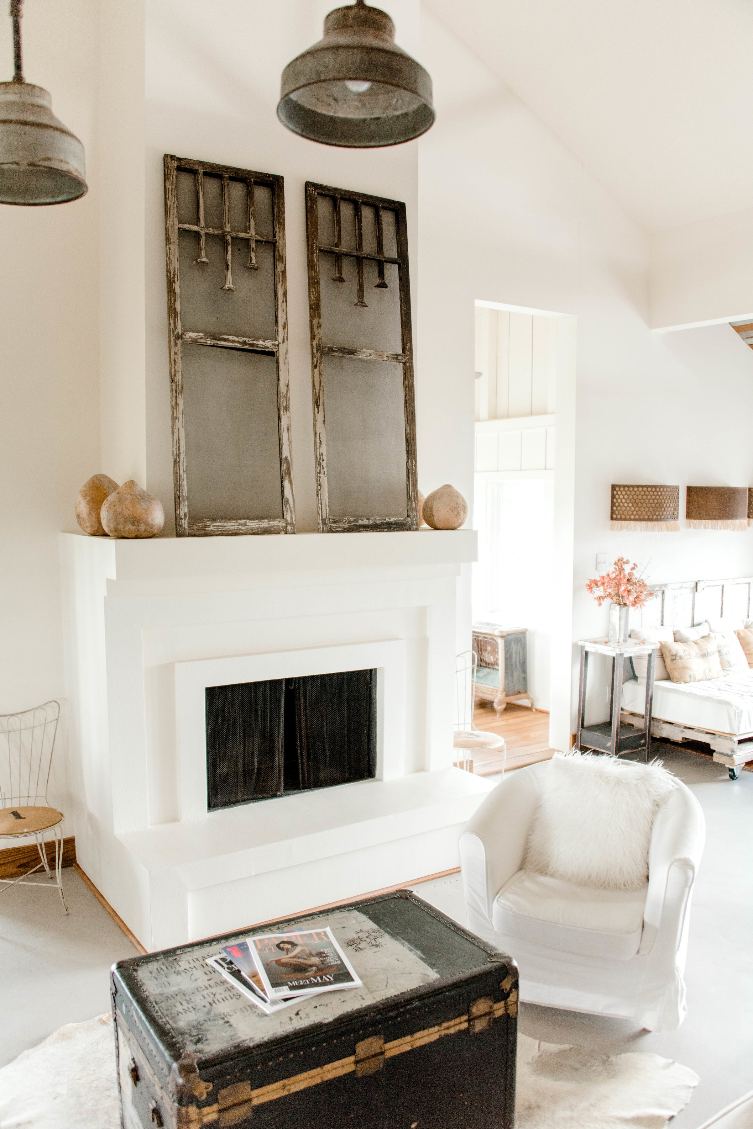 No. 1450 - The Vintage Round Top - My Domaine - Rustic Modern Farmhouse Retreat - Modern Fireplace - Vintage Decor