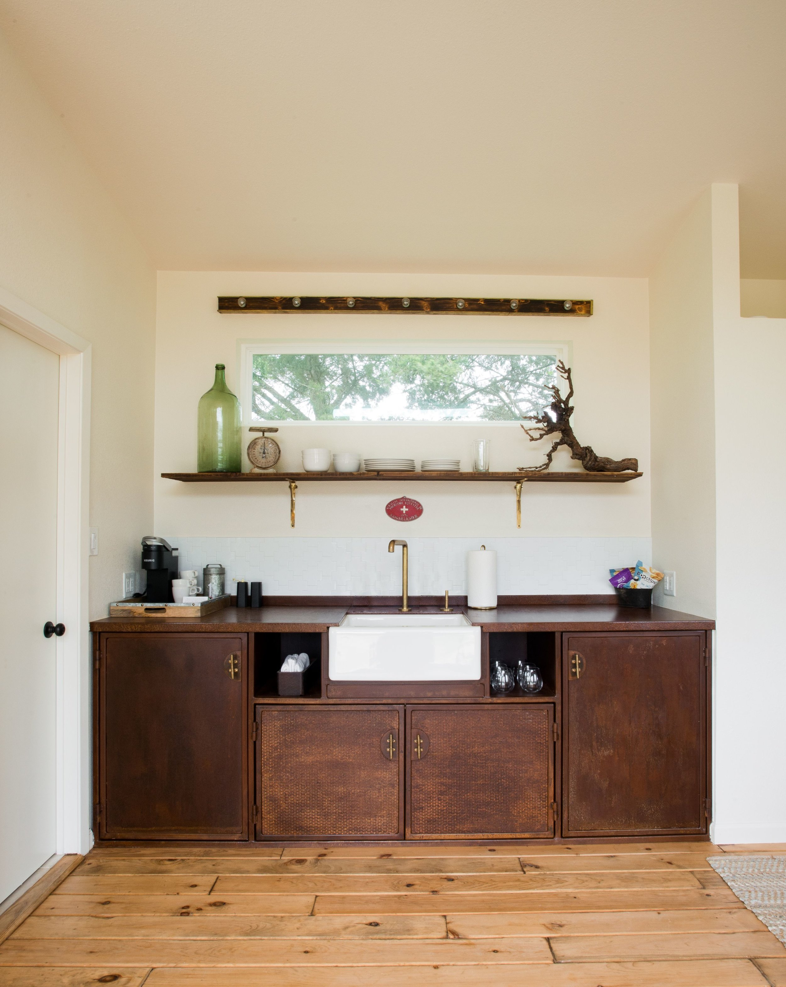 The Pierce kitchenette.