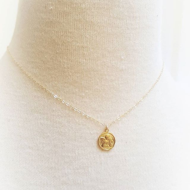 Angel Medallion Necklace $29 #14kgold #dainty #everyday #jewlery #giftideas  shopsimplychic.etsy.com