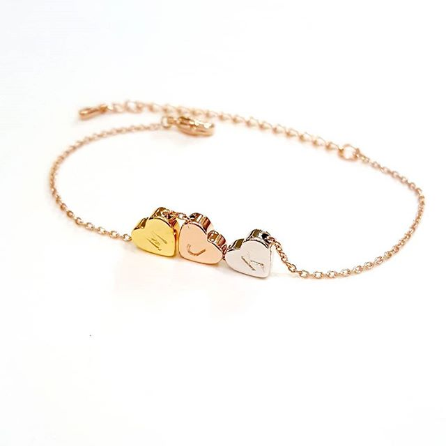 Personalized Heart Bracelet 💞 $16+ #daintyjewelry #bridesmaids #friendship #giftideas