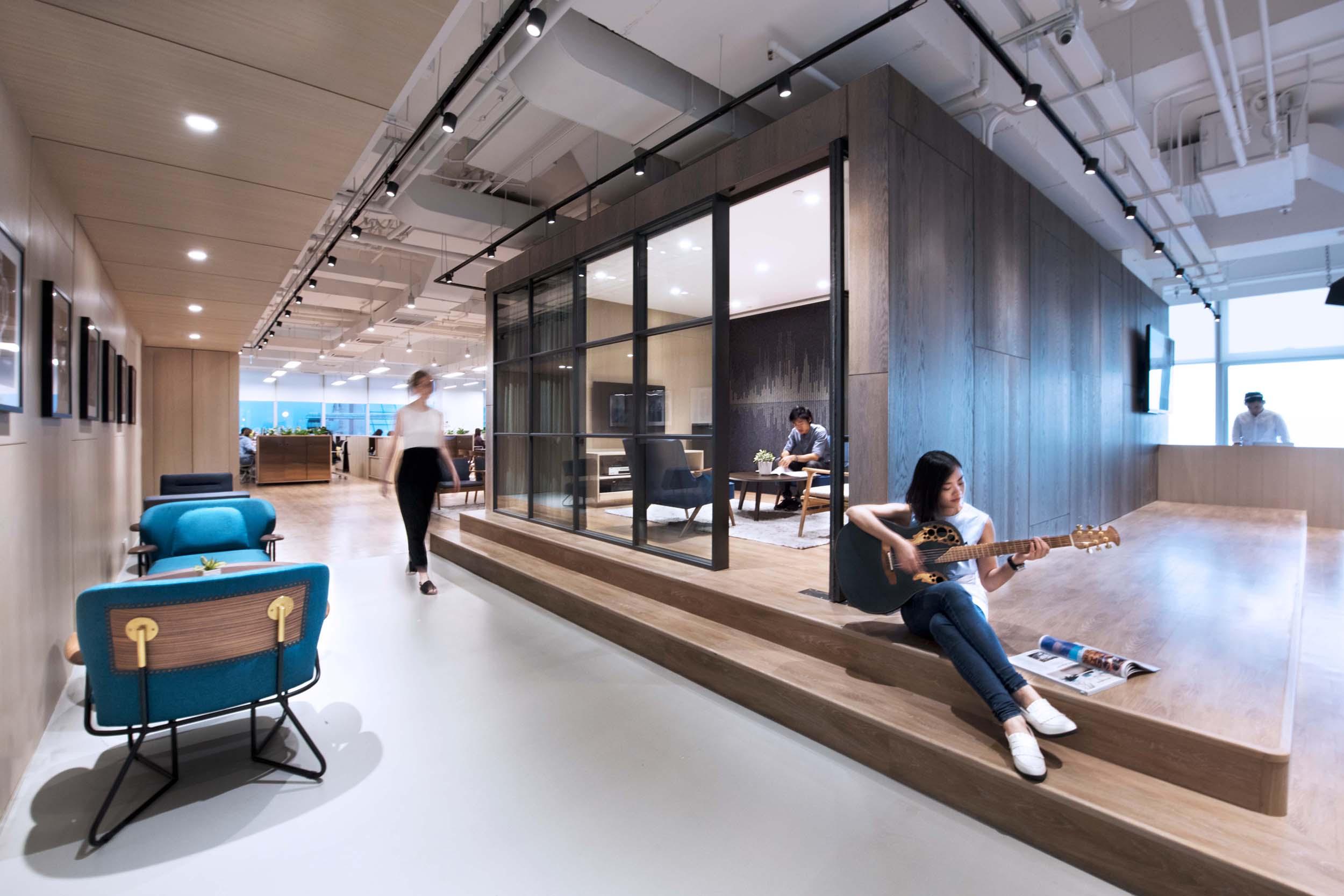03_Bean Buro_Office Workplace_Kwung Tong_Warner Music Hong Kong.jpg