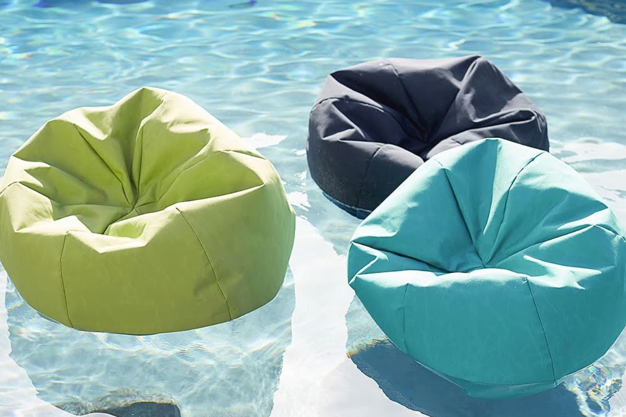- How fun!! Loving all the creative pool floats this year!Find it here.