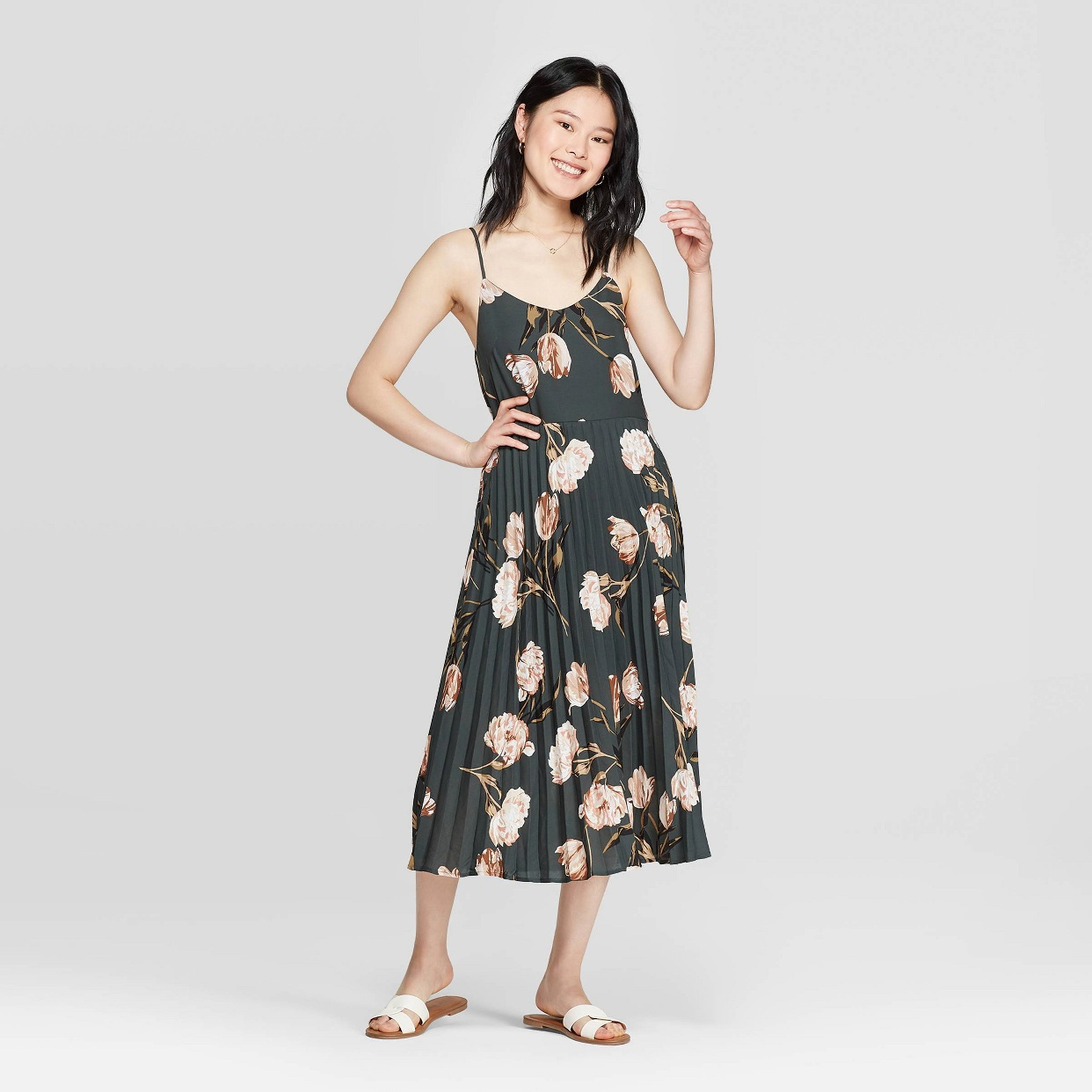 - I'll be wearing this to a wedding tomorrow! Whee!! love the length and super comfy and pretty!Find it here.