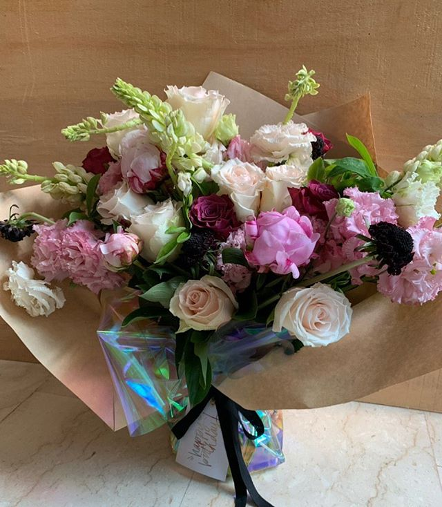 When you wish that you could keep the bouquet instead 🤣🥰😍 💜 #floralsbym . . . . #sgflorist #flowersg #igsg #bridalbouquet #sgweddings #sgbrides #floristsg #weddinginspo #sgflowers #wedding #weddingideas #flowerbouquet #floralsg #weddingideas #summerblooms #arrangement #flowerarrangement #bridestory #theweddingscoop #vsco #vscoflowers #junebugweddings #stylemepretty #flowersofinstagram #floweroftheday #igers #instaflower #flowerstagram #sgproposal