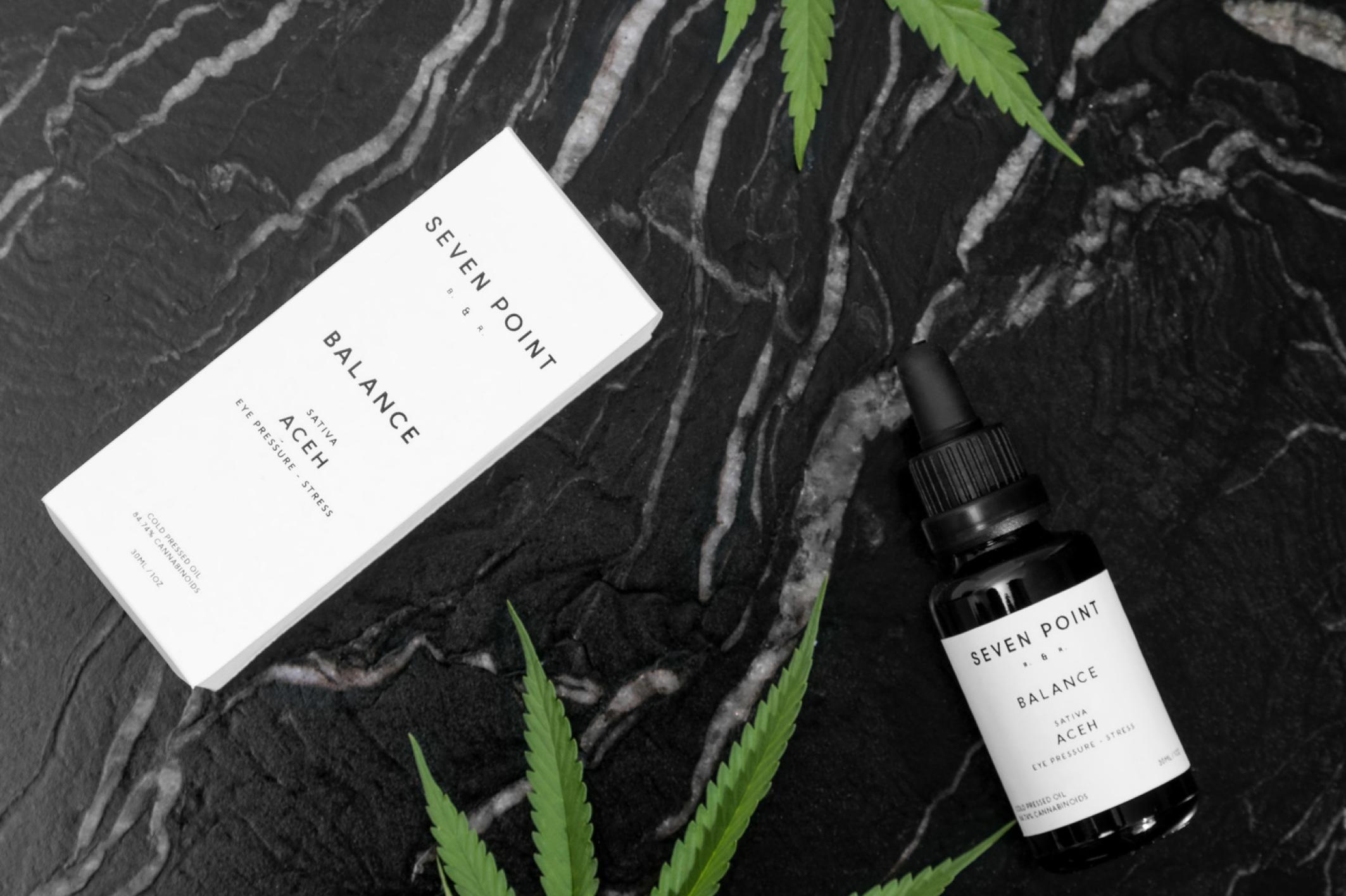 Curioso web_images _layout_Seven Point_cannabis_dispensary_interior_designxx3.jpg