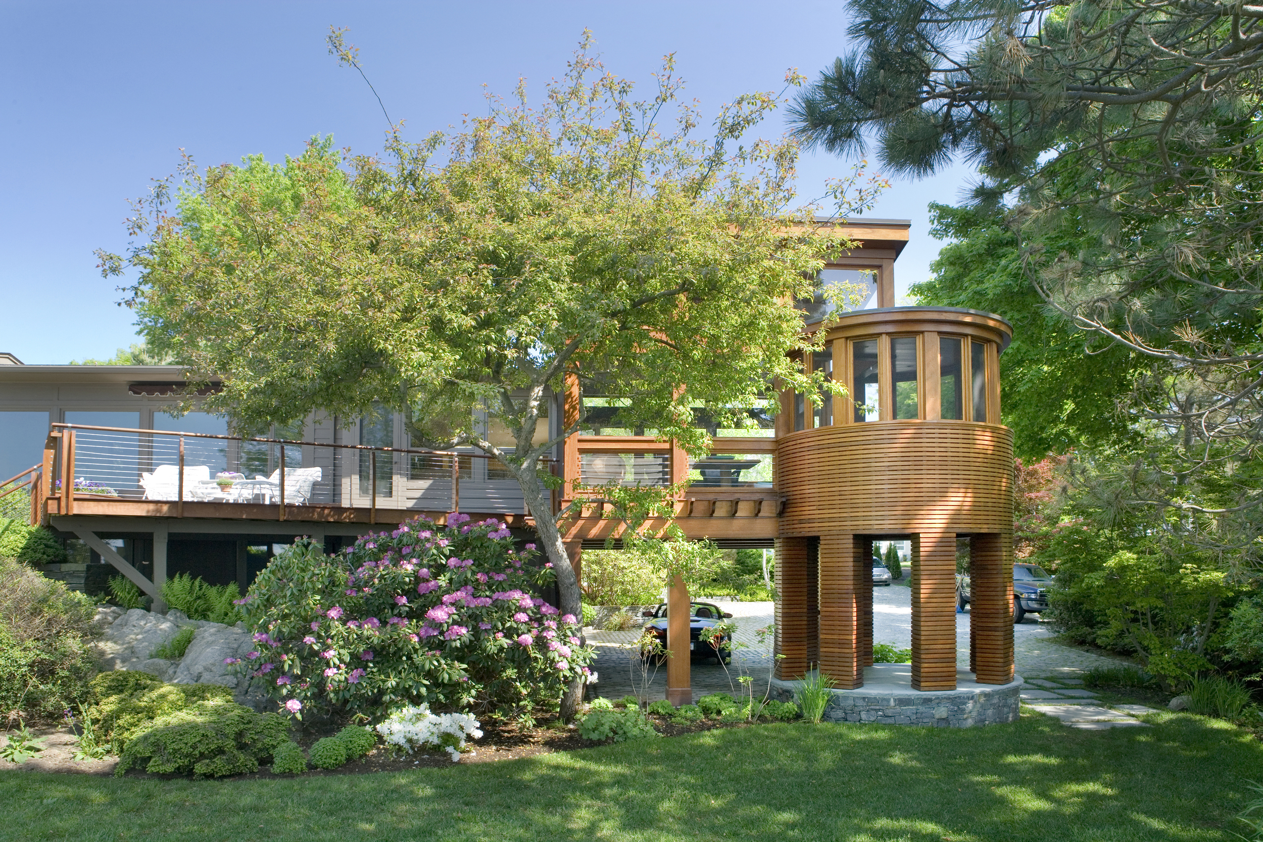 Schwartz 5 07 exterior back of house 2.jpg