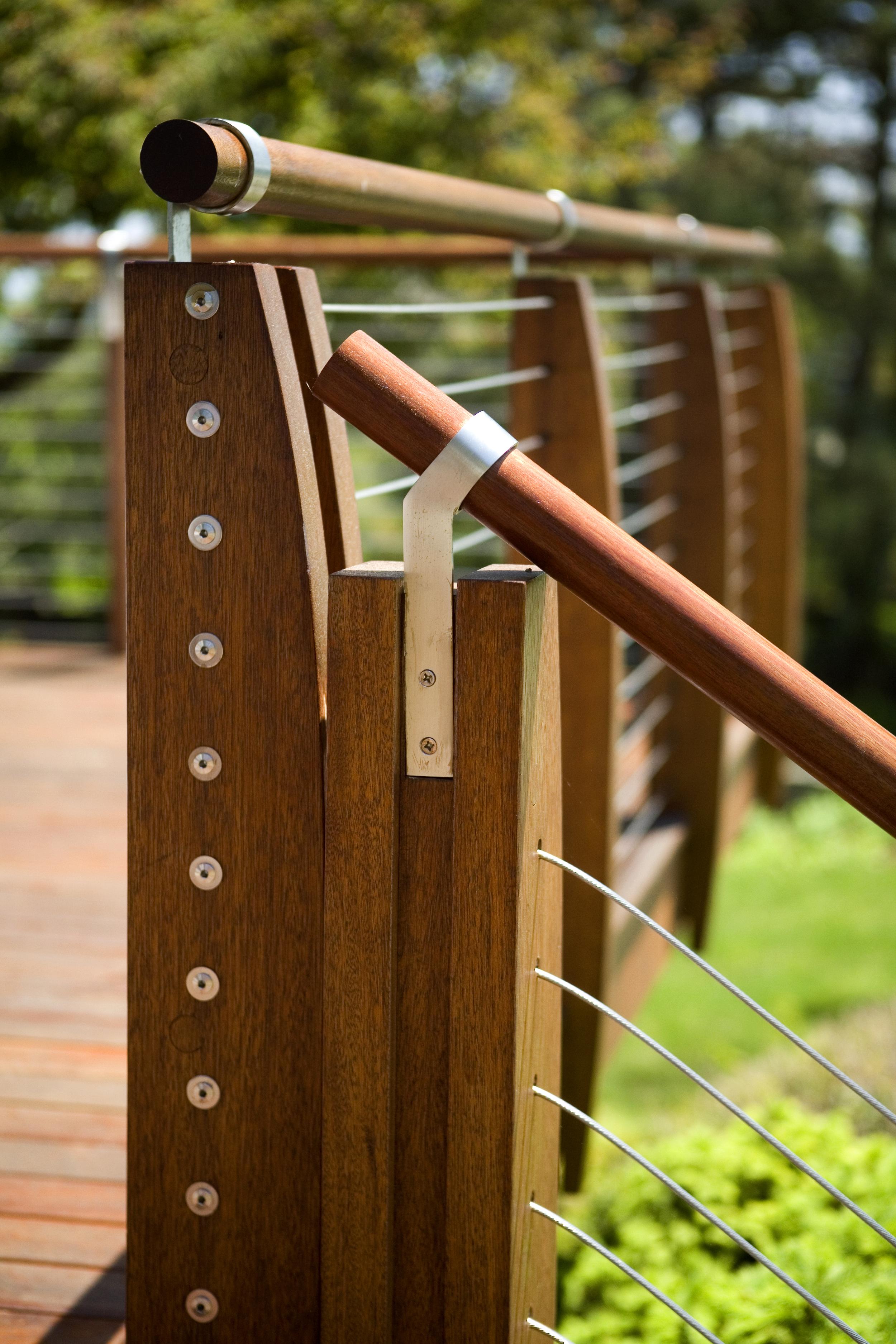 Schwartz 5 07 exterior detail of railing 1.jpg