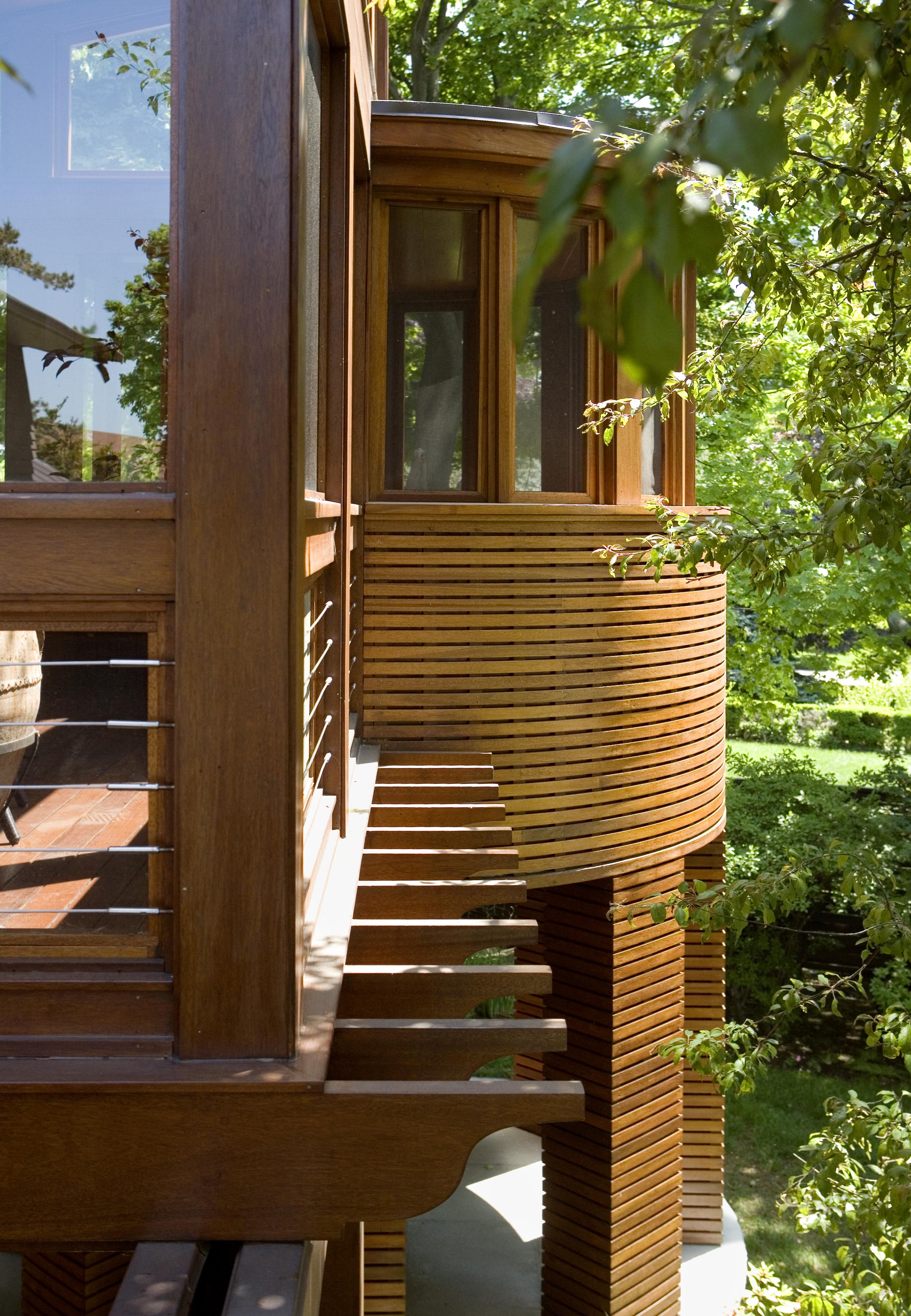 Schwartz 5 07 exterior side view 1.jpg