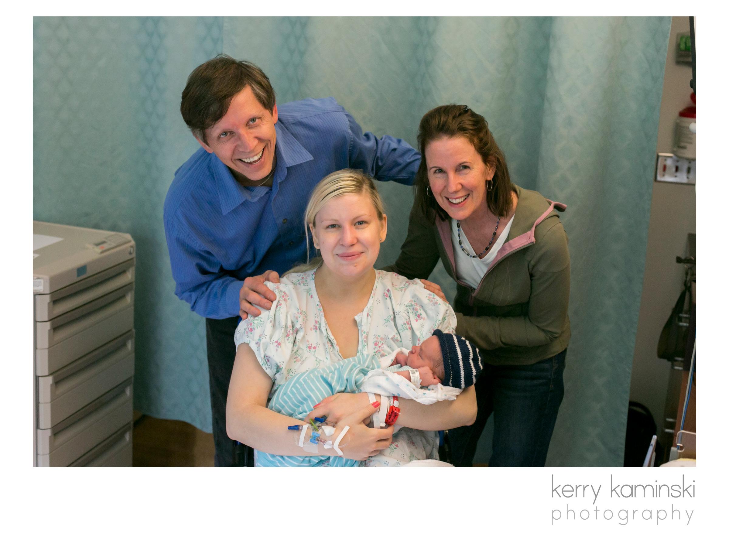 Birth photographer newborn photographer everett snohomish county7.jpg