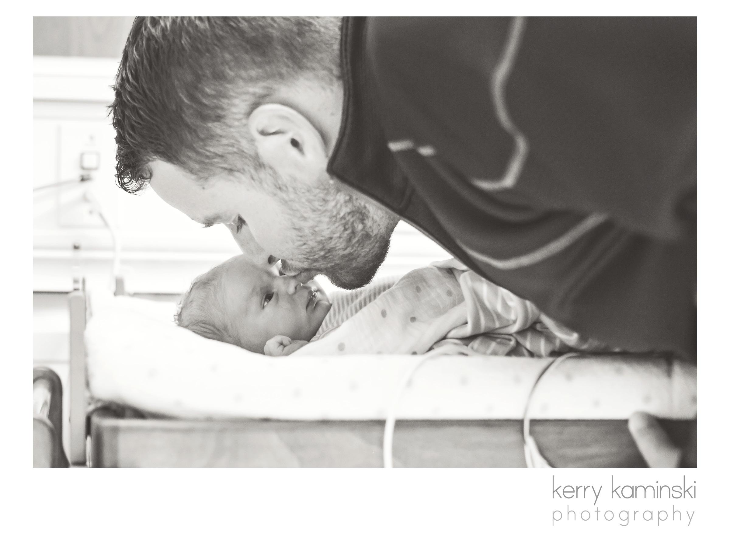 Birth photographer newborn photographer everett snohomish county16.jpg