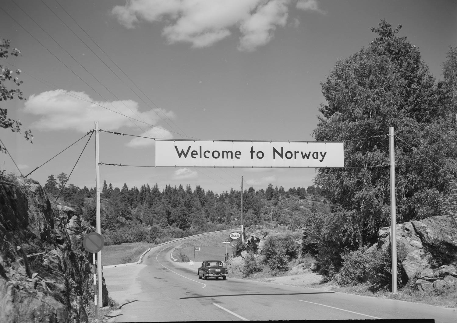 Slik var den koselige ankomsten til Norge tidligere. Bildet er fotografert en gang på 1950-tallet. Fotograf: Jac Brun