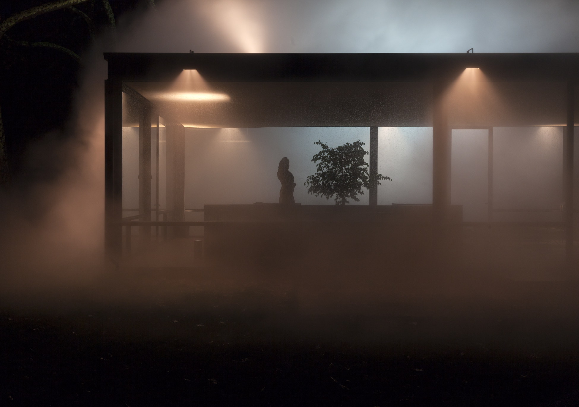 GlassHouse_Fog_1272.jpg