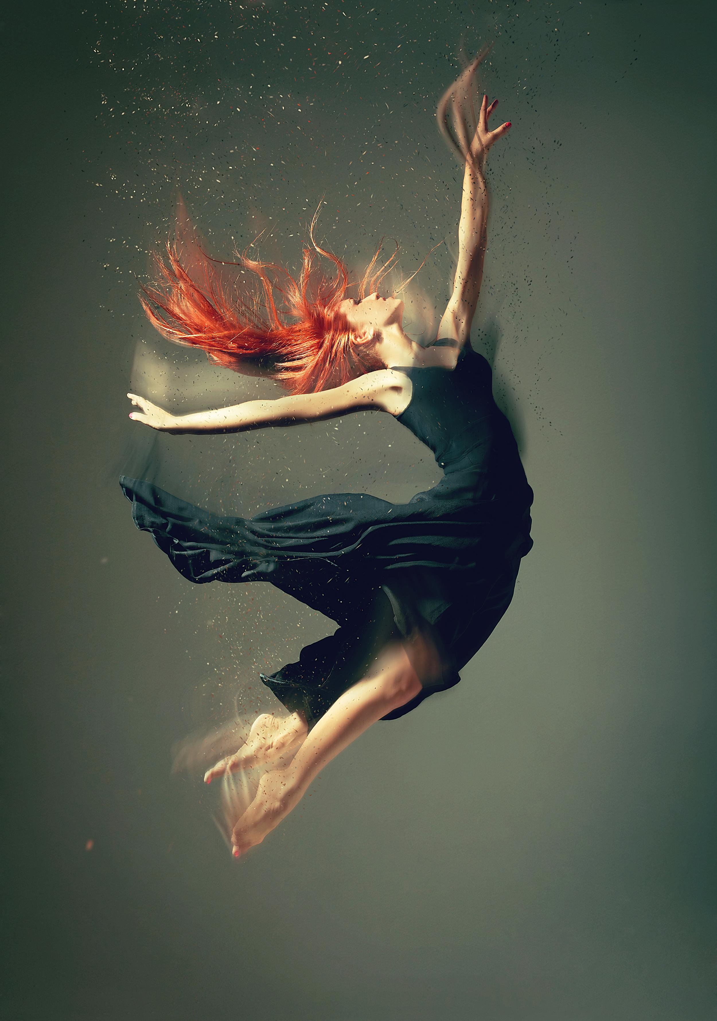 dancer_powder_3_crop.jpg
