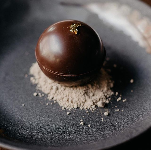 Are you a tiramisu lover?  Our classic dessert has a new image! Mascarpone cream - coffee crème anglaise - chocolate Sphere.