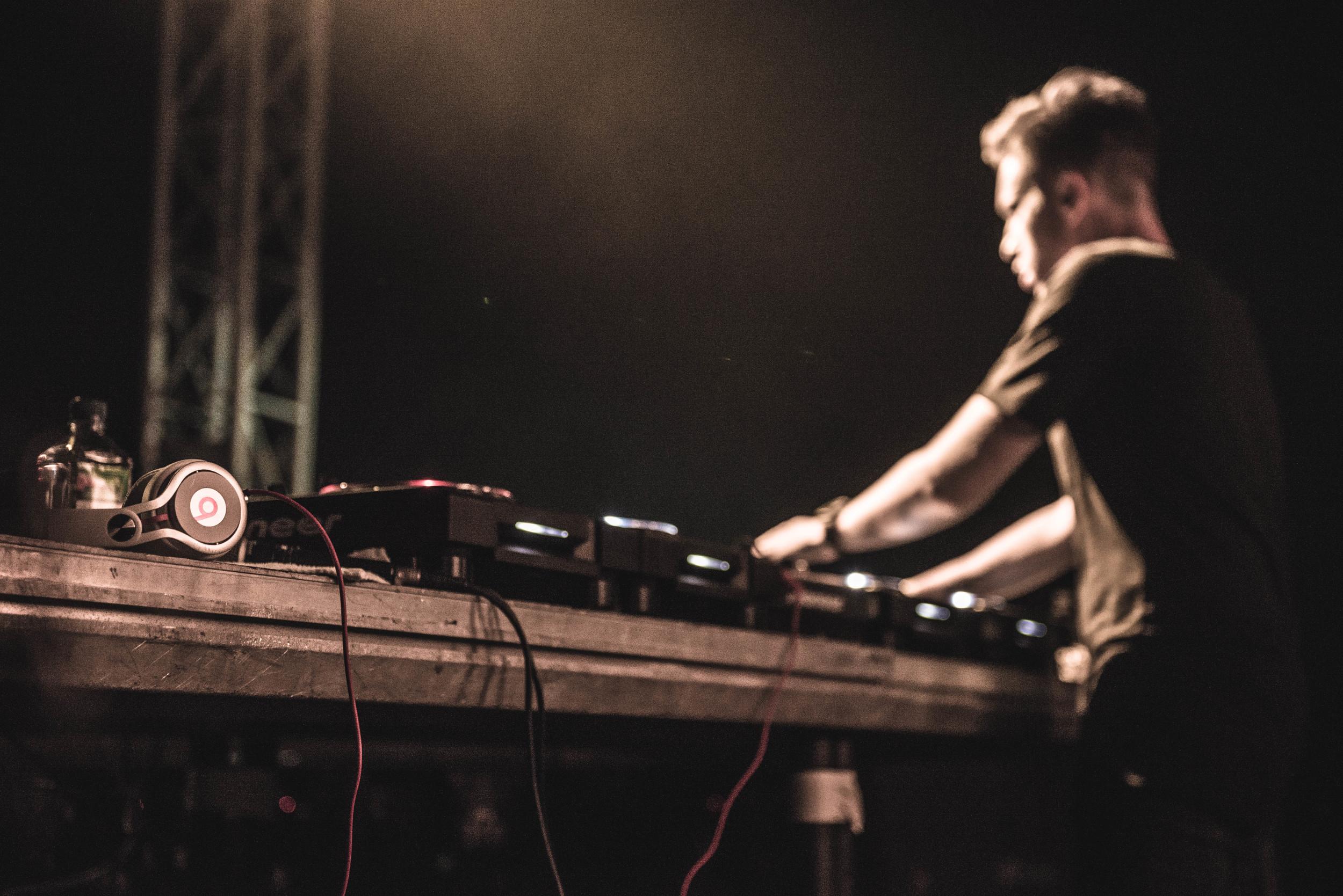 DJ-1-2.jpg