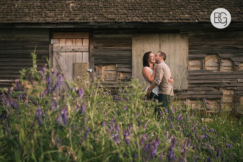 Engagement_photos_edmonton_river_valley_brick_puppy_amy_darren_001.jpg