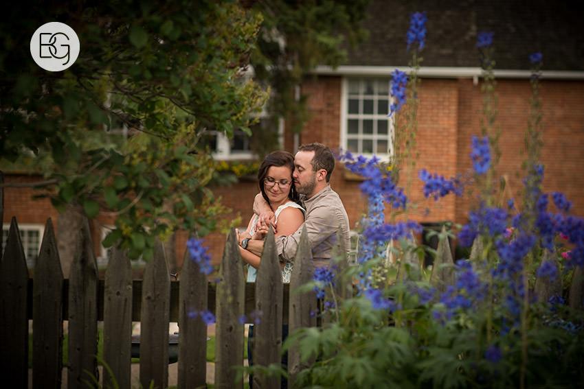 Engagement_photos_edmonton_river_valley_brick_puppy_amy_darren_010.jpg