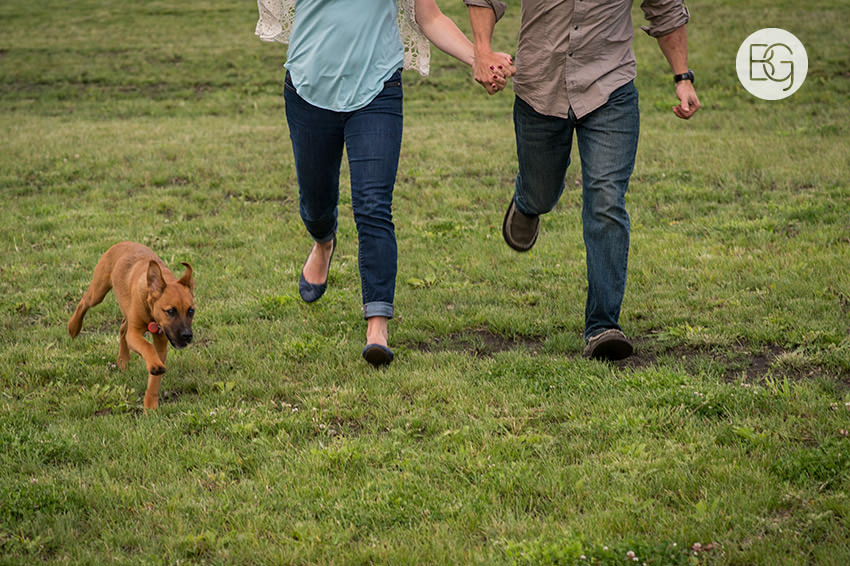 Engagement_photos_edmonton_river_valley_brick_puppy_amy_darren_014.jpg