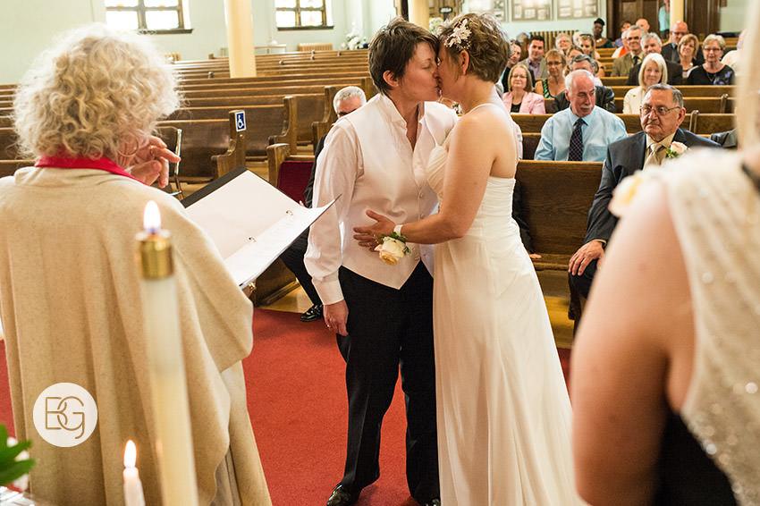 Edmonton_gay_wedding_lgbtq_lesbian_Jenn_Tracy_06.jpg