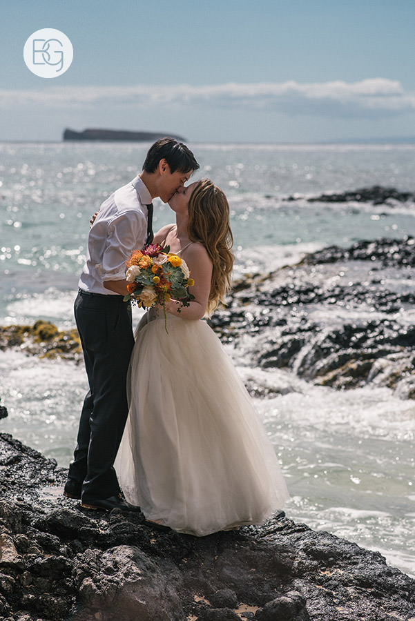 destination_wedding_photographer_hawaii_edmonton_maui_kristarandor_51.jpg