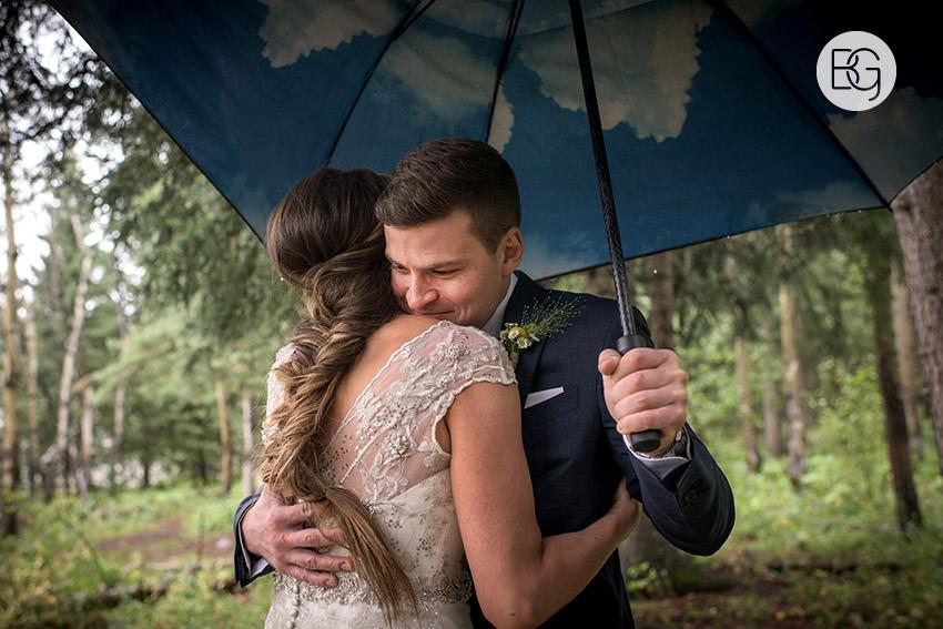 canmore-banff-wedding-photographers-kat-aaron-summer-camp-wedding-rain-10.jpg
