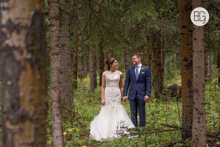 canmore-banff-wedding-photographers-kat-aaron-summer-camp-wedding-rain-12.jpg
