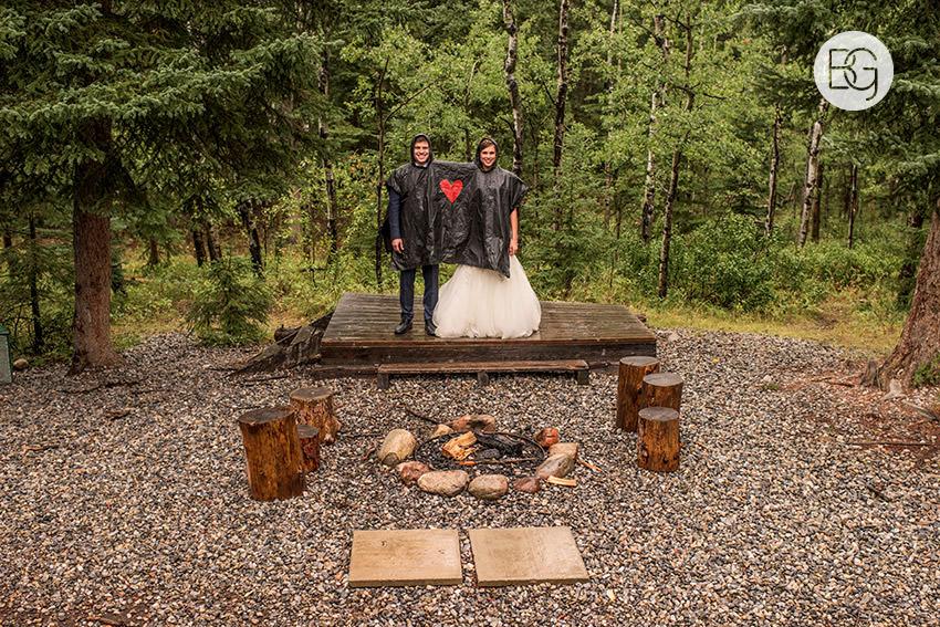 canmore-banff-wedding-photographers-kat-aaron-summer-camp-wedding-rain-29.jpg