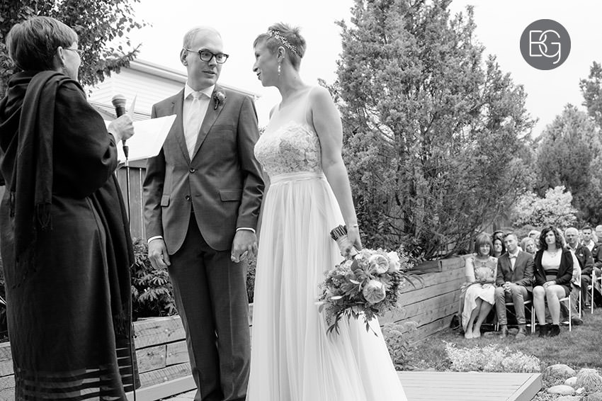 Edmonton_wedding_photographers_KelceyDavid_intimate_backyard_ceremony_07.jpg
