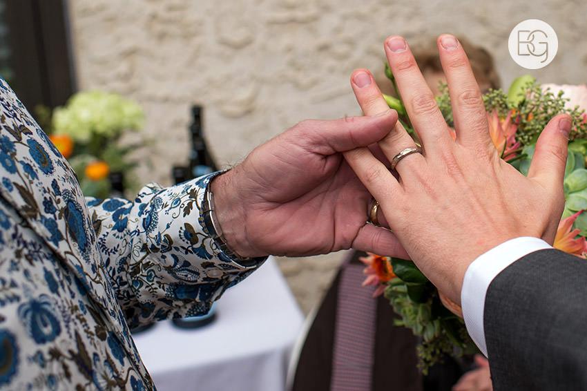 Edmonton_wedding_photographers_KelceyDavid_intimate_backyard_ceremony_11.jpg
